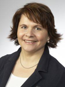 Elena Bauer, Bürohilfskraft