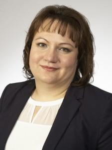 Ella Zimbelmann, Steuerfachangestellte